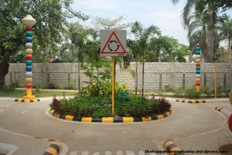 A roundabout: perfect for practicing your driving skills