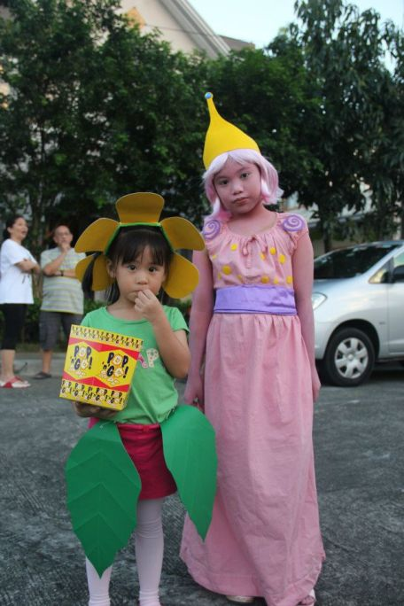 Sunflower from PVZ and Princess Bubblegum: homemade costumes