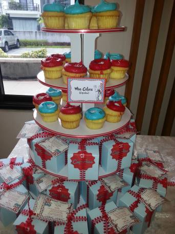 Who Cakes: cupcake tower