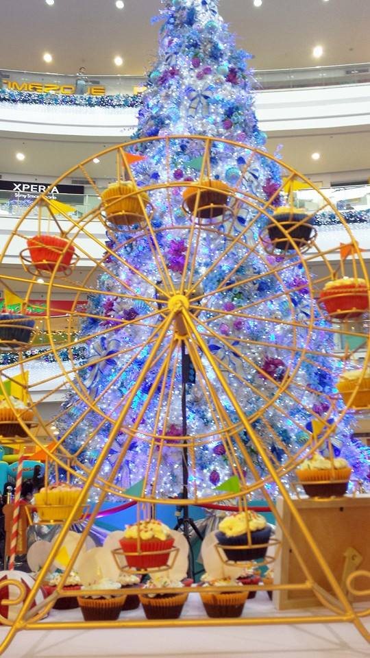 mr ferris wheel with the robinsons place manila sparkling christmas tree