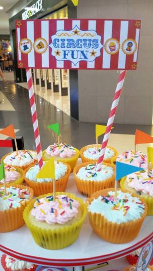 Circus Fun banners as cupcake tower topper