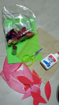 Step 1: Prepare the Potpourri Christmas Card materials