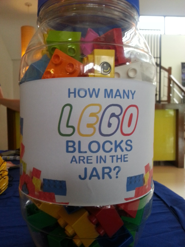 """""""Guess How Many Lego?"""" mini game"""