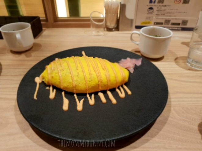 Seafood omurice